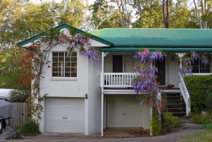 Property prices falling in Oz capitals